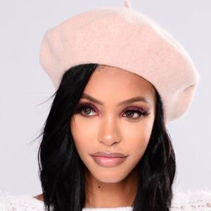❄️New Fashion Nova Pink Beret//Hat❄️